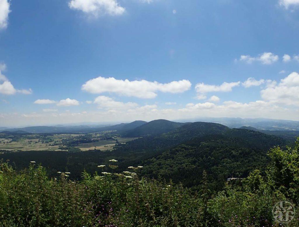 Vue depuis le flanc Sud-Ouest du Dôme